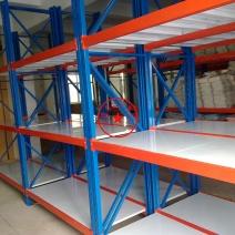 中型仓储货架12